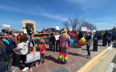 News Tribune – Drag queens rally against bill opposing Drag Queen Story Hour; bill supporters host prayer walk